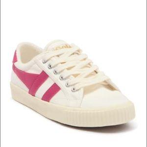 NWT Brand New Still In Box Pink Golas